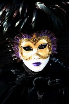 Browse through images in Donna Corless' Venice Carnivale collection. Portraits of people dressed in masks and costumes at the Carnivale in Venice, Italy. Photography by Donna Corless. Mardi Gras Carnival, Venetian Carnival Masks, Carnival Of Venice, Venetian Masquerade, Masquerade Ball, Venice Carnivale, Venice Mask, Beautiful Mask, Carnival Costumes