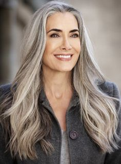 Bildergebnis für long grey haired women over 50