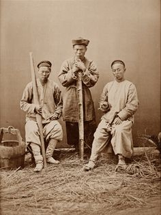 Coolies. Photograph by William Saunders. Old China