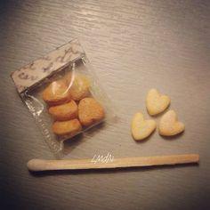 Miniature cookies 🍪 heart packaging 1:12 #cookies #craft #diy #fimo #handcraft #handmade #lesmaisonsdenia #miniature #miniaturefood #mycreation #polymerclay #realisticfood #sculpeyclay