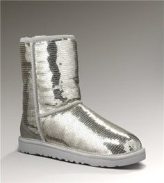 UGG Short Sparkles Classic 3161 Silver Boots $125.00 http://www.salesnowboots.com/ugg-short-sparkles-classic-3161-silver-boots-p-476.html