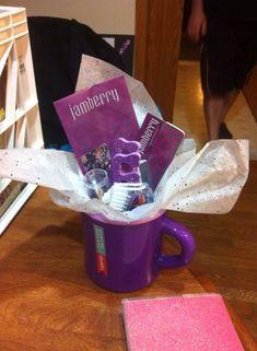 Jamberry makes an easy hostess or teacher gift! Browse & order online: https://www.mindeemaki.jamberrynails.net