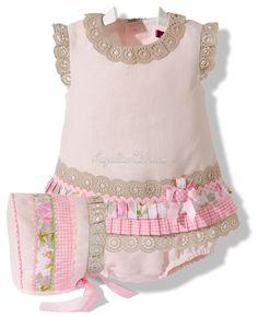 Details - lace, ribbon, ric rac, pleated ribbon/fabric Jesusito con capota y braguita rosa y cámel