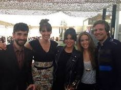 Cristina Lasvignes con amigos en la inauguración de la Azotea del Circulo
