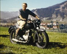 © Metro-Goldwyn-Mayer Studios Inc. All Rights Reserved.  Titles: The Great Escape  Names: Steve McQueen  Characters: Hilts 'The Cooler King'  Still of Steve McQueen in The Great Escape
