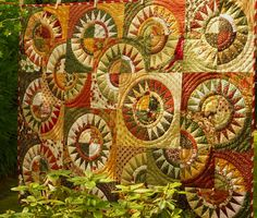 ❤ =^..^= ❤  Busy Bee No. 16: A New York Beauty Christmas Quilt.  Beautiful!!!!!