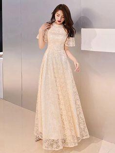 Indian Gowns Dresses, Unique Prom Dresses, Beautiful Prom Dresses, Elegant Dresses, Pretty Dresses, Girls Fashion Clothes, Fashion Dresses, Robes Quinceanera, Robes D'occasion