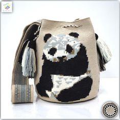 Wayuu bag single thread รุ่น Panda Premium quality ⭕️Sold out⭕️ •ฐาน 8.5 นิ้ว สูง 10.2 นิ้ว •สายยาว 117 cm. •ฟรี Ems ขอบคุณคุณลูกค้ามากๆค่ะ  Unique style by wayuukiss FB ➡️ WayuuKiss Line ➡️ @wayuukiss ( มี@นำหน้าค่ะ) IG ➡️ wayuukiss =accept credit card,paypal== #wayuukiss #wayuubag #popularbikini #กระเป๋าพลอยเฌอมาลย์ #colombia #importthailand #summerbag #hotitem #mochilabag #mochilas #bikini #kinni #wayuubikini #popularbikini #กระเป๋าพลอยเฌอมาลย์ #colombia #importthailand #summerbag #h...
