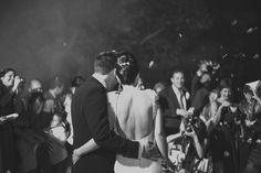 El amor es una reacción en cadena.  María con vestido de novia de YolanCris, modelo Nerja.