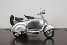 'Looking for the Piaggio Vespa of your dreams? There are currently 52 Piaggio Vespa bikes as well as hundreds of other classic motorcycles, cafe racers and racing bikes for sale on Classic Driver. Vespa For Sale, Bikes For Sale, Vespa Bike, Piaggio Vespa, Sidecar, Racing, Motorcycle, Classic, Vehicles
