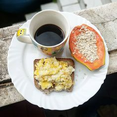 Quick Healthy Breakfast, Healthy Snacks, Healthy Eating, Low Carb Recipes, Healthy Recipes, Food Trays, Breakfast Bowls, Brunch Recipes, Food Photography