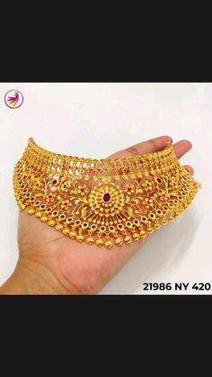 Gold Temple Jewellery, Gold Wedding Jewelry, Gold Jewelry Simple, Jewelry Design Earrings, Gold Earrings Designs, Beaded Jewelry, Gold Bangles Design, Gold Jewellery Design, Gold Mangalsutra Designs
