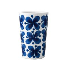 Marianne Westman's 'Mon Amie' design is one of the best-loved Scandinavian porcelain patterns of the century. Tumbler Designs, Flower Tea, Diy Clay, Clay Crafts, Marimekko, Mid Century Design, Joss And Main, Scandinavian Design, Timeless Design
