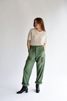 vintage army fatigues - Google Search Crotch Boots, Army Fatigue, Army Pants, Piece Of Clothing, Parachute Pants, Thighs, Patches, Trousers, Street Style