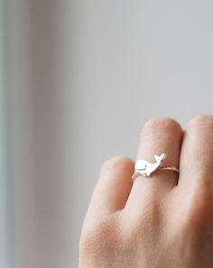 Cute Whale Ring Handmade Animal Ring Silver Whale door TOTOanimals