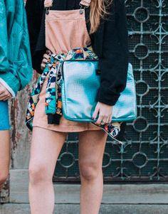 funda-portátil-mermaid-azul-3 Shoulder Bag, Bags, Fashion, Laptop Sleeves, Blue Nails, Handbags, Moda, Fashion Styles, Shoulder Bags