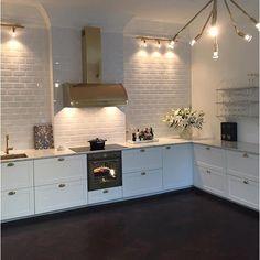 New kitchen marble renovation 62 Ideas Smart Kitchen, New Kitchen, Kitchen Dining, Kitchen Decor, Kitchen Cabinets, Eclectic Kitchen, Eclectic Decor, Kitchen Tips, Beddinge