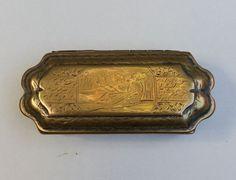 Messing tabaksdoos met dubbele voorstelling en gedicht - ca. 1700 Holland