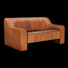 De Sede Caramel Sofa :: Obsolete