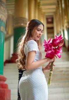 Feelings of a Woman – Love and Intimacy Myanmar Traditional Dress, Traditional Dresses, Burmese Girls, Myanmar Women, Beautiful Asian Women, Sexy Asian Girls, Asian Woman, Asian Beauty, Marie