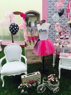 Glamour in Paris Birthday Party Ideas | Photo 1 of 9 | Catch My Party