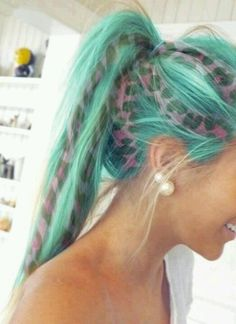 teal and leopard print hair... amazing