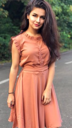 Avneet Kaur About: Avneet Kaur is an Indian television She started her car. Frock For Teens, Frock For Women, Simple Frocks, Casual Frocks, Stylish Dresses, Simple Dresses, Cute Dresses, Girls Fashion Clothes, Summer Fashion Outfits