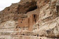 Montezuma Castle, Arizona - new excavations show it was attacked and burned by raiders around 1400 CE