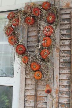 Prim Twiggy Pumpkin Wreath...