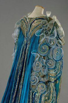 A Midsummer Night's Dream - Costume designer Gabriella Pescucci Pfieffer Georgette Fabric, Unique Fashion, Vintage Fashion, Fashion Design, A Level Textiles, Sea Dress, Costume Hats, Theatre Costumes, Skirts
