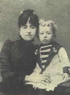 Il piccolo Guido con la madre
