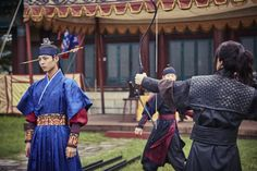 park bogum and kwak dongyeon in moonlight drawn by clouds ✧ behind the scenes
