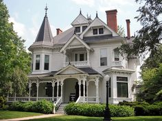 Victorian house - Why does anyone delete the information originally posted on these historic homes? Victorian Architecture, Beautiful Architecture, Beautiful Buildings, Beautiful Homes, Architecture Design, Classical Architecture, Victorian Style Homes, Victorian Design, Victorian Houses