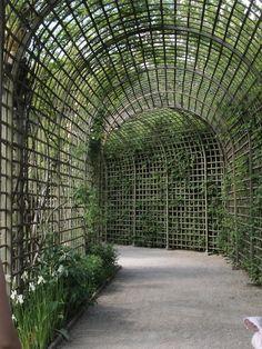 http://homedesign.marthastewart.com/wp-content/uploads/2012/04/passage-Versailles-France.jpg