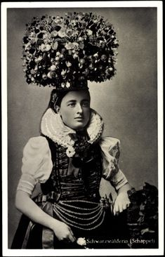 Germany 1900 - now that's a hat!