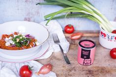 Du kannst keinen Reis mehr sehen? Dann probier's doch mal mit Bulgur. Absolutes Superfood mit einem geringen Fettanteil. Lieblingsrezept: Tomatenbulgur!
