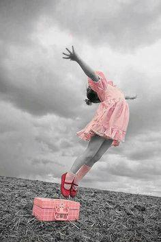 Quiero que mi hija sea feliz. Joy Quotes, Pink Quotes, Quotes Images, Quotable Quotes, Bible Quotes, Qoutes, Bible Verses, Jumping For Joy, Teacher Humor
