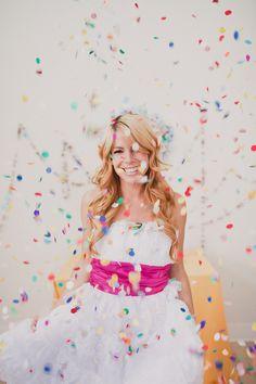 DIY confetti garland-via A subtle revelry Dillard Adult Cake Smash, Girl Birthday, Birthday Parties, 21st Birthday, Diy Girlande, Diy Foto, Fru Fru, Event Company, Partys