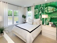 Abundant in nature, fun and sophisticated indoors, and always stunning, emerald green is one trendy color that's here to stay. Browse gorgeous designer spaces, and learn how to use this luxurious hue in your home.