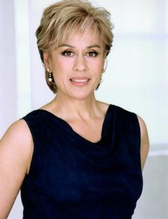 Dame Kiri Te Kanawa will be appearing on DOWNTON ABBEY next season, Apparently she'll be a house guest chez Downton and will be regaling everyone with her wonderful voice.