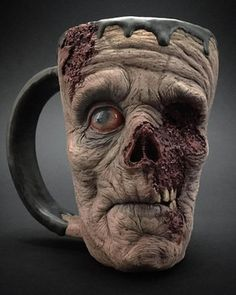 Safe Your Espresso With A Scary Zombie Mug Some folks discover the prospect of beginning a day and not using a cup of espresso scary. These zombie mugs will be sure that they're scared even whe. Ceramic Pottery, Ceramic Art, Face Mug, Zombie Art, Zombie Head, Horror Art, Horror Decor, Halloween Crafts, Halloween 2018
