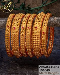 Gold Bangles For Women, Gold Bangles Design, Gold Earrings Designs, Necklace Designs, Jewelry Design, Gold Jewelry, Beaded Jewelry, Women Jewelry, Jewlery