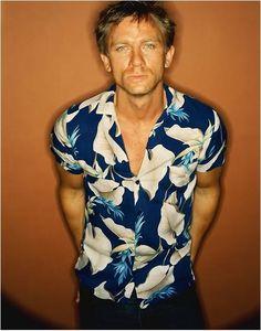 Diggin' the Hawaiin shirt, Daniel