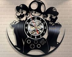 Relógio Disco Vinil - Super Mario Bros Vinyl Record Art, Record Clock, Vinyl Records, Super Mario Bros, Art Birthday, Birthday Gifts, Mario Video Game, Shops, Wooden Puzzles