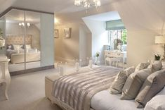 80 Romatic And Elegant Bedroom Decor Ideas 63 - Home Decor & Design Romantic Master Bedroom, Stylish Bedroom, Master Bedroom Design, Beautiful Bedrooms, Blush Bedroom, Master Suite, Loft Room, Bedroom Loft, Home Bedroom