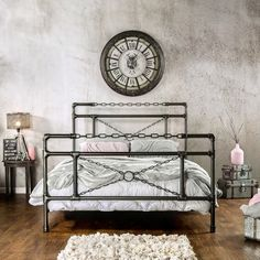 Furniture of America Porteno Industrial Brushed Silver Platform Bed