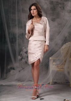 Customize Light Pink Mother of the Bride Dress Column / Sheath Strapless Satin Ruch Knee-length - US$108.06 ☺ ☺