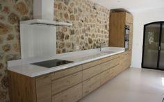 Plan de travail en Quartz blanc pure réalisé par : marbrerie Bonaldi