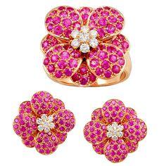 VAN CLEEF & ARPELS Pink Sapphire & Diamond Flower Ring & Earring