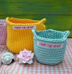 Extra small crochet pot (7 cm diameter, 6 cm high)